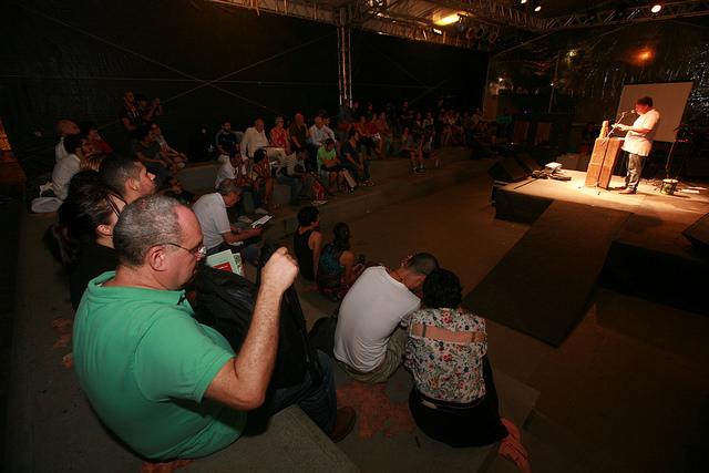 Primeira noite de recitais e diálogos na Torre Malakoff. Foto: Otávio de Souza